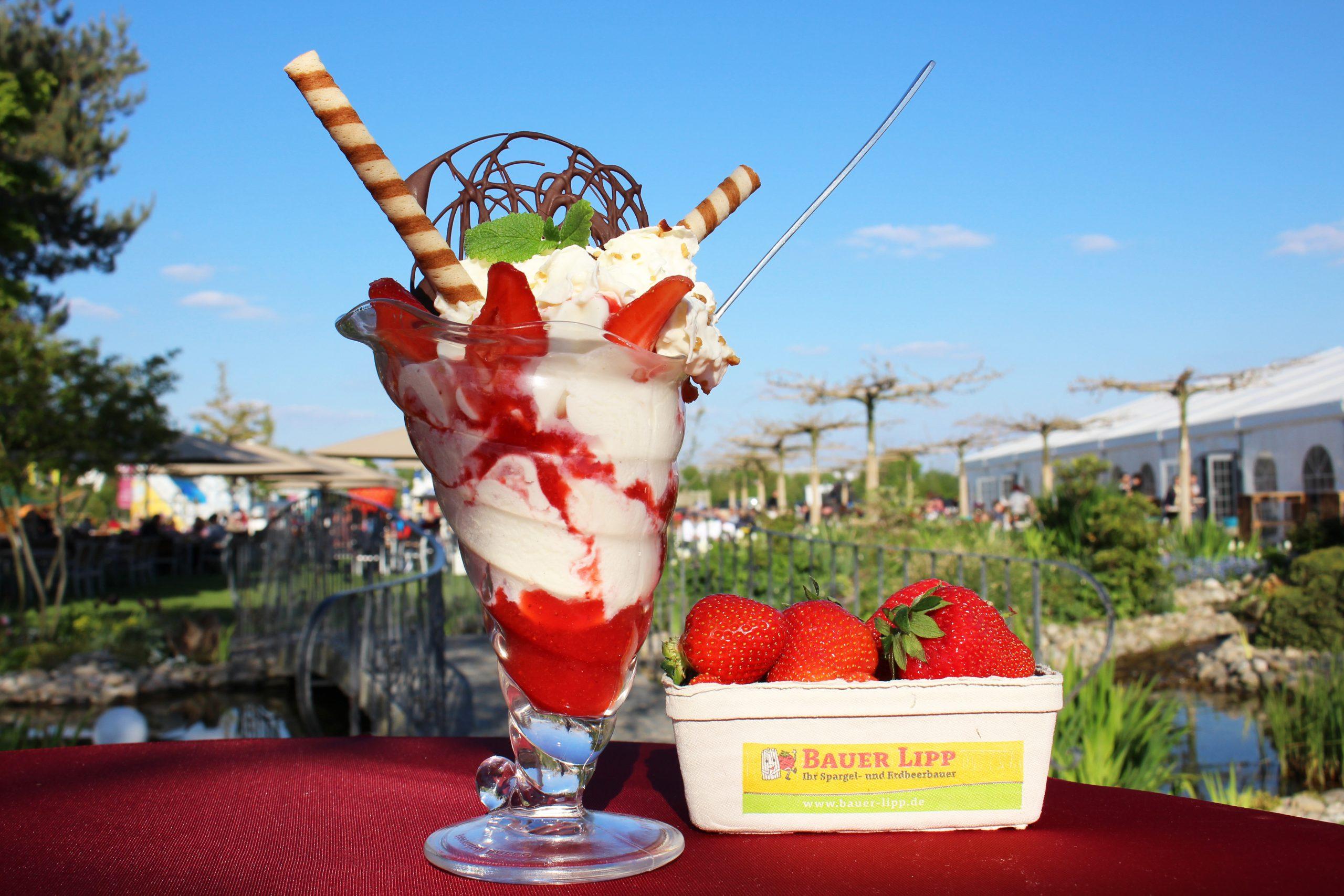 Erdbeerbecher-scaled